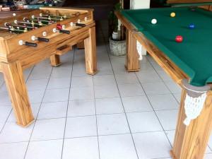 Mesas em madeira Teka